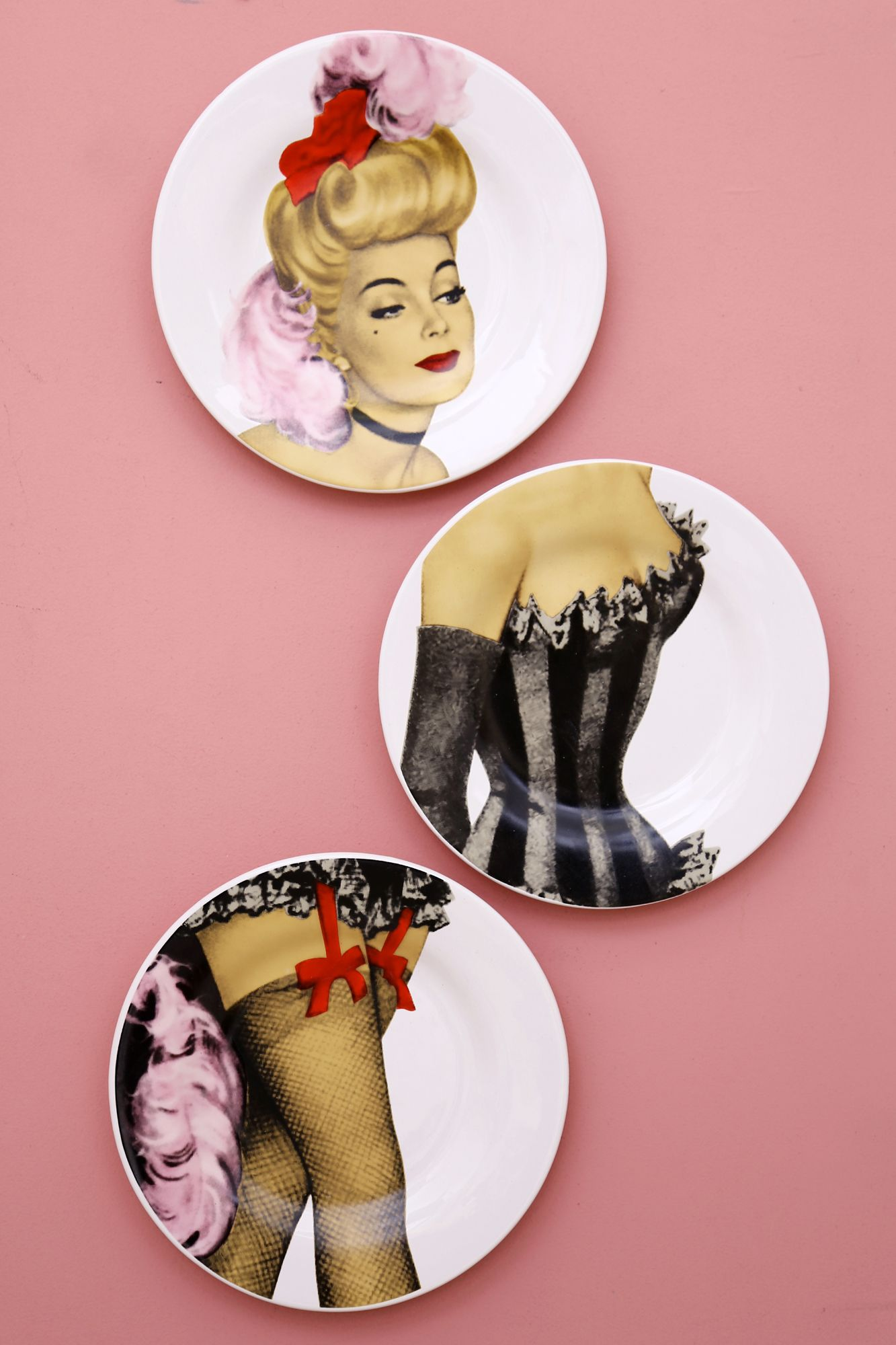 Showgirl Wall Plate Set